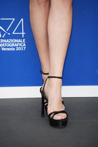 Amanda Seyfried minge foot tattoo designs